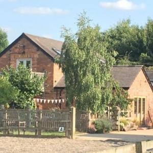 Sue Townsend Theatre Leicester Hotels - Bybrook Barn Bed & Breakfast