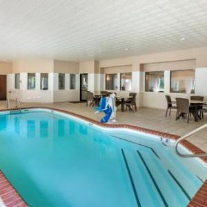 Hotels near CarShield Field - Comfort Inn & Suites O Fallon