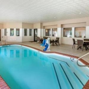 Hotels near Defiance Ridge Vineyards - Comfort Inn & Suites O Fallon