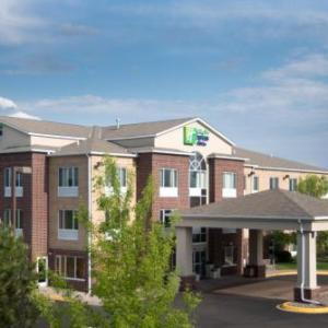 Minnesota Renaissance Festival Hotels - Holiday Inn Express Hotel & Suites Chanhassen