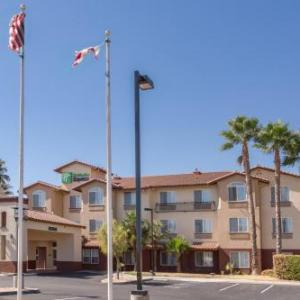 The Great Plate Bar and Grill Hotels - Holiday Inn Express Hotel & Suites Manteca