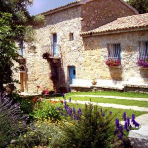 Book Now Casa Sadde (Padru, Italy). Rooms Available for all budgets. Casa Sadde is located in Padru and it features free Wi-Fi in the shared areas free private parking and rooms with a private bathroom.The elegantly decorated rooms have garden