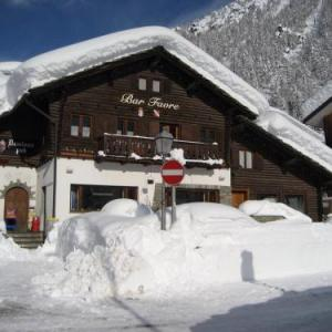 Book Now B&B White Moon (Gressoney la Trinite, Italy). Rooms Available for all budgets. Located in Gressoney-la-Trinité and just a few steps from Punta Jolanda Cable Car B&B White Moon features a restaurant snack bar and free Wi-Fi.All en suite guest roo