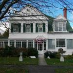 The Summer White House Inn