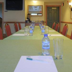 Country Inn & Suites by Radisson Grand Forks ND