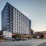 Renaissance Center Hotels - Pullman Plaza Hotel