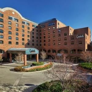 Hotels near Aquatic Center University of Minnesota - The Commons Hotel