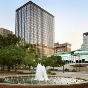 Hotels near Xcel Energy Center - InterContinental SAINT PAUL RIVERFRONT