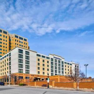LeClaire Park Hotels - Radisson Quad City Plaza