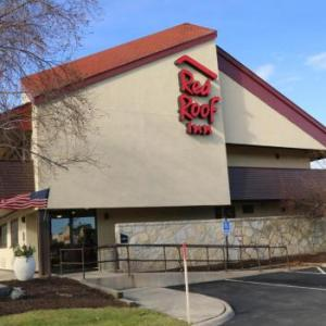 Hotels near Jorgensen Center for the Performing Arts - Red Roof Inn Enfield