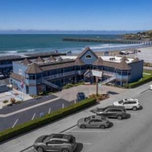 Shoreline Inn...on The Beach