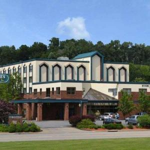Hotels near Mountaineer Field at Milan Puskar Stadium - Euro-Suites Hotel
