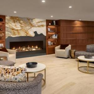 Hotels near Veterans Memorial Coliseum Madison - Sheraton Hotel Madison
