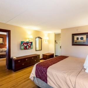 Red Roof Inn And Suites Terre Haute