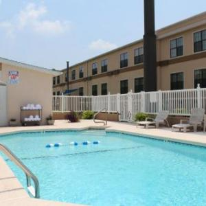 Reaves Arena Hotels - Travelodge By Wyndham Perry Ga
