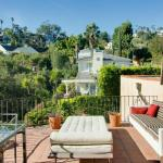 1005 - Hollywood Celebrity Villa
