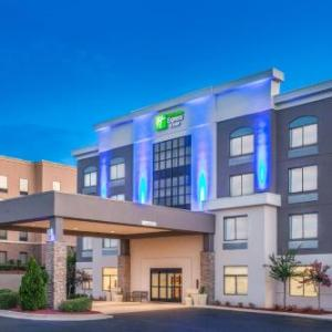 Holiday Inn Express & Suites Augusta West -Ft Gordon Area