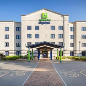 Hotels near Sandford Holiday Park - Holiday Inn Express Poole