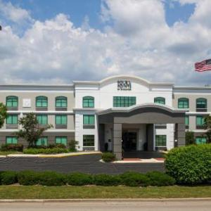 Hotels near Neuroscience Group Field at Fox Cities Stadium - Grandstay Hotel & Suites Appleton