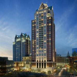 Hotels near Twin River Casino - Omni Providence Hotel
