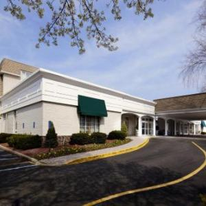 Bergen Performing Arts Center Hotels - The Clinton Inn Hotel