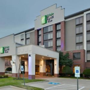 Hotels near The Pavilion at Toyota Music Factory - Holiday Inn Express Hotel & Suites -Irving Convention Center -Las Colinas
