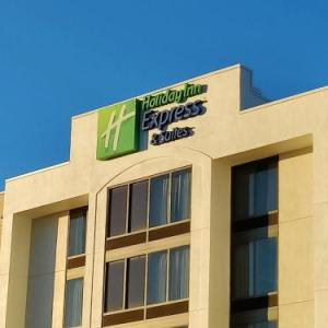 Holiday Inn Express & Suites Dfw Airport South TX, 75062