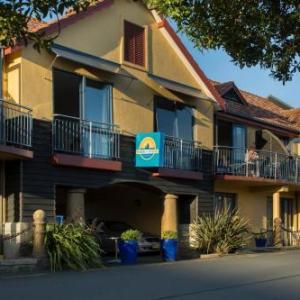Harbourside Lodge