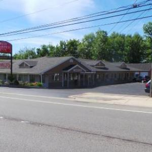 Hotels near Bills Stadium - Red Carpet Inn Orchard Park