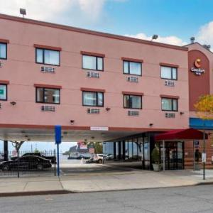 Aviator Sports & Events Center Hotels - Comfort Inn Brooklyn