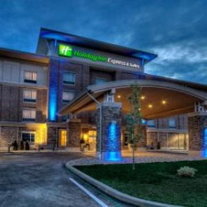 Hotels near Iceoplex Canonsburg - Holiday Inn Express & Suites Pittsburgh Sw - Southpointe