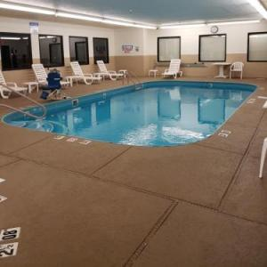 Hotels near Pritchard Laughlin Civic Center - Comfort Inn Cambridge