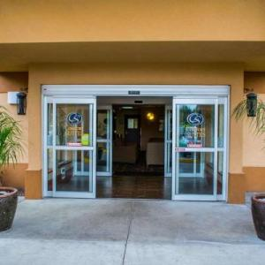 Hillsdale Community Church Hotels - Comfort Suites Southwest