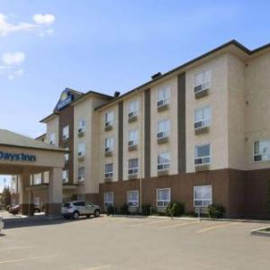 Foote Field Hotels - Days Inn Edmonton South