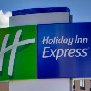 Holiday Inn Express & Suites Dearborn SW -Detroit Area