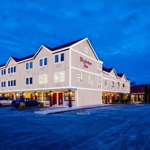 Hotels near Roanoke Island Festival Park - Elizabethan Inn