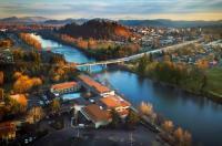 Valley River Inn Image