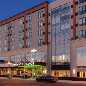 Mark Ridley's Comedy Castle Hotels - Hyatt Place Detroit/Royal Oak