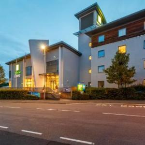 Walsall Arena Hotels - Holiday Inn Express Walsall M6 J10