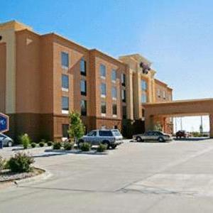 Hotels near Beach Schmidt Performing Arts Center - Hampton Inn Hays
