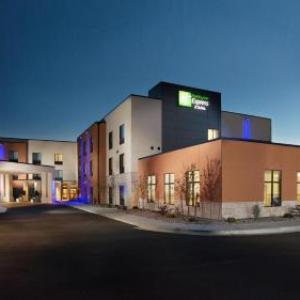 Hotels near L.E. and Thelma E. Stephens Performing Arts Center - Holiday Inn Express Pocatello