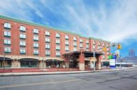 Holiday Inn Express Hotel & Suites Pittsburgh South Side Image