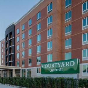 Hotels near Carnesecca Arena - Courtyard by Marriott New York Queens/Fresh Meadows