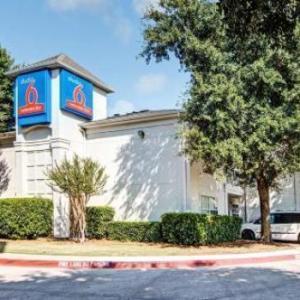 Studio 6 Dallas -South Arlington