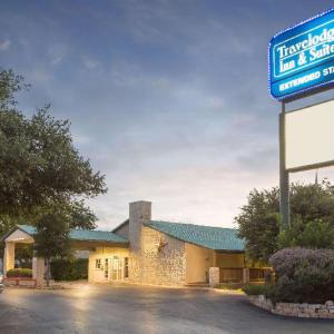 Travelodge Inn & Suites By Wyndham San Antonio Airport