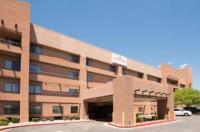 Hawthorn Inn And Suites Albuquerque Image