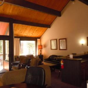 Hotels near Bear Mountain - Two-bedroom Plus Den Standard Unit #108 By Escape For All Seasons