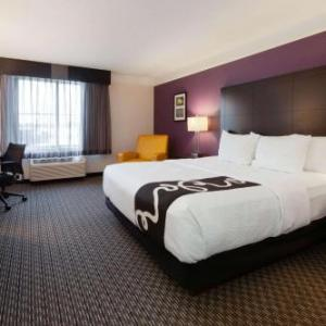 Emerald Theatre Hotels - La Quinta Inn & Suites Detroit Utica