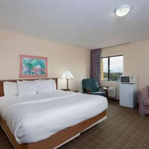 Hotels near The Silver Centre Event Hall - La Quinta Inn by Wyndham Indianapolis East-Post Drive