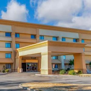Hotels near Las Cruces International Airport - La Quinta Inn & Suites Las Cruces Organ Mountain